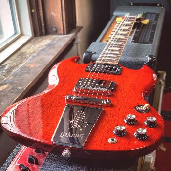 Gibson Derek Trucks SG (2014) @   A signature guitar with cool looks and great sound, this Gibson D