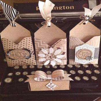 Inspirations et idées pour Noël : Gift card holders treat box and bow all made with the Envelope