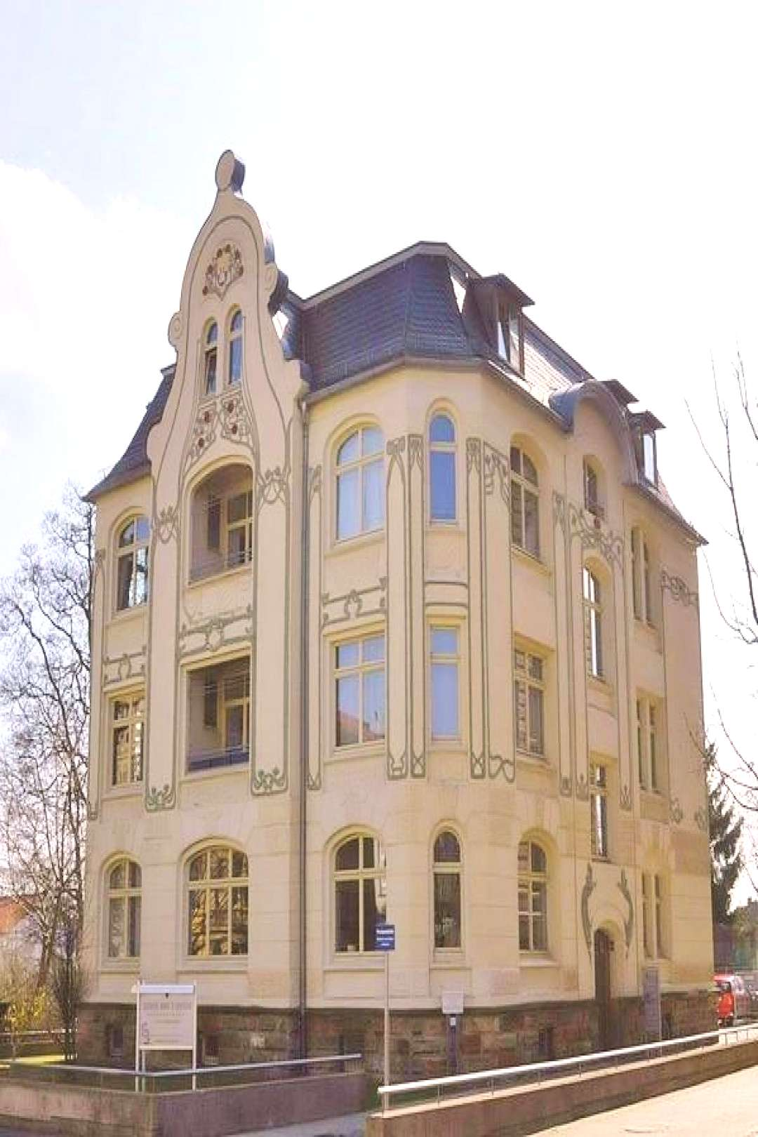 Art Nouveau House in Gotha,Thuringia, Germany 9 Hacks Art Nouveau House in Gotha,Thuringia, German