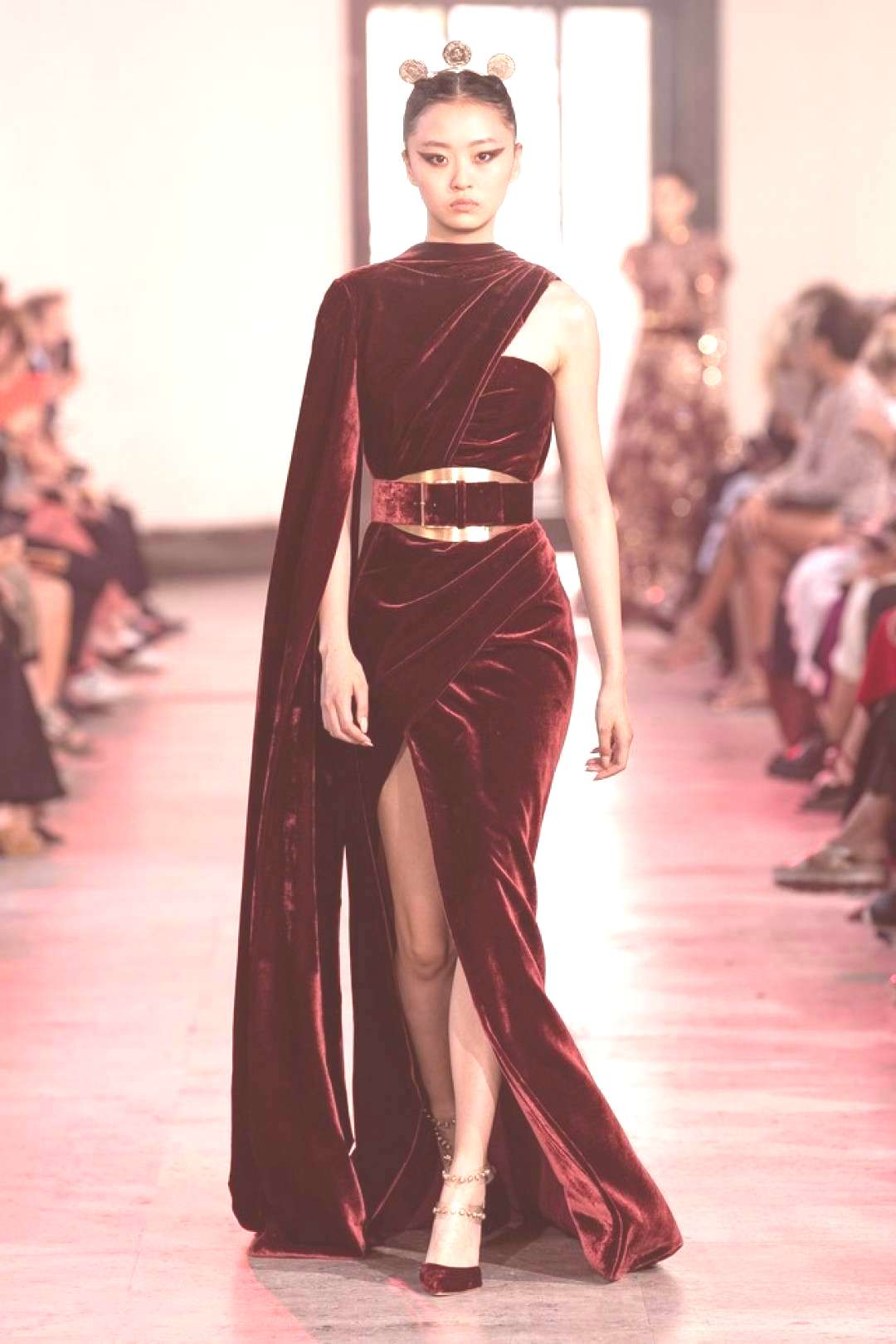 Elie Saab Herbst/Winter 2019-2020 Haute Couture - Kollektion | Vogue GermanyYou can find Haute cout