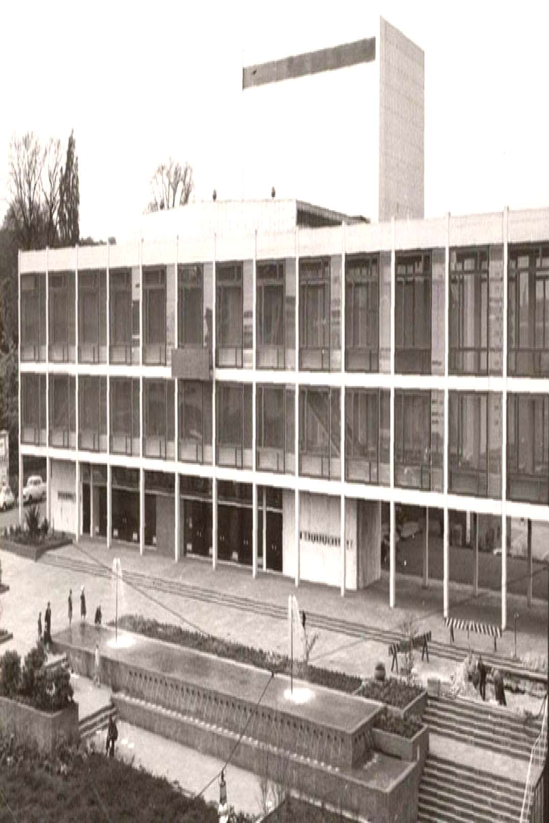 Municipal Theater (1957-59) in Mönchengladbach, Germany, by Paul Stohrer. Demolished. -